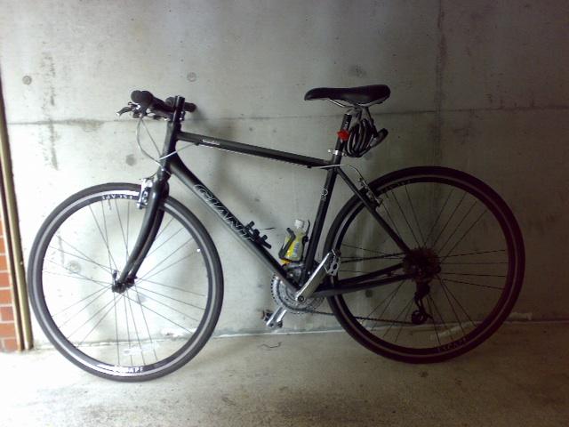 ESCAPE R3 自転車通勤を始めて1ヶ月経過。これだけは携帯したいツーキニストアイテムまとめ