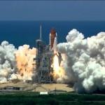 大音量で聴け!空気を切り裂く轟音スペースシャトル打ち上げ動画