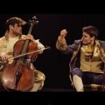 チェロのクラシック演奏会がいつの間にかAC/DCの超絶演奏に変わっていく動画